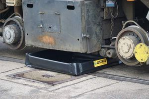 Spill containment sumps-Mobile spill sump with drainage